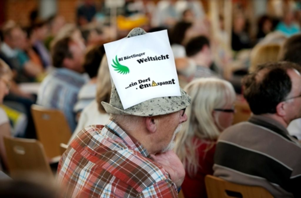 Ein Gegner der Stromtrasse bei einer Veranstaltung in Wäschenbeuren Foto: Horst Rudel