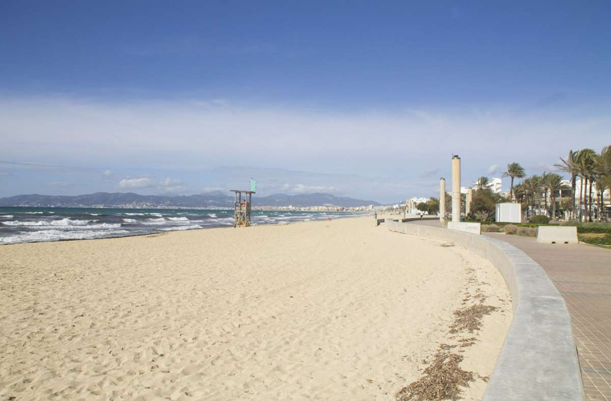 Leere Strände auf der Balearen-Insel Mallorca. (Archivbild) Foto: dpa/Mar Granel Palou