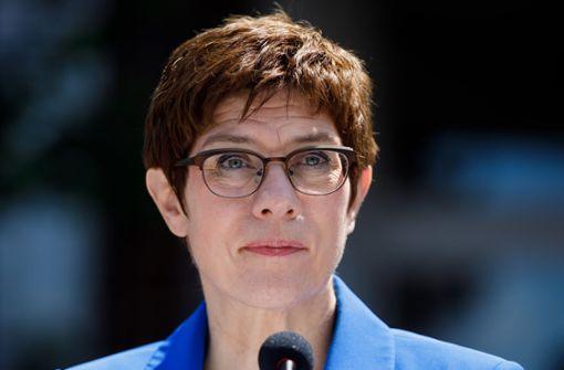 Social-Media-Chef der Bundeswehr soll rechte Kontakte pflegen