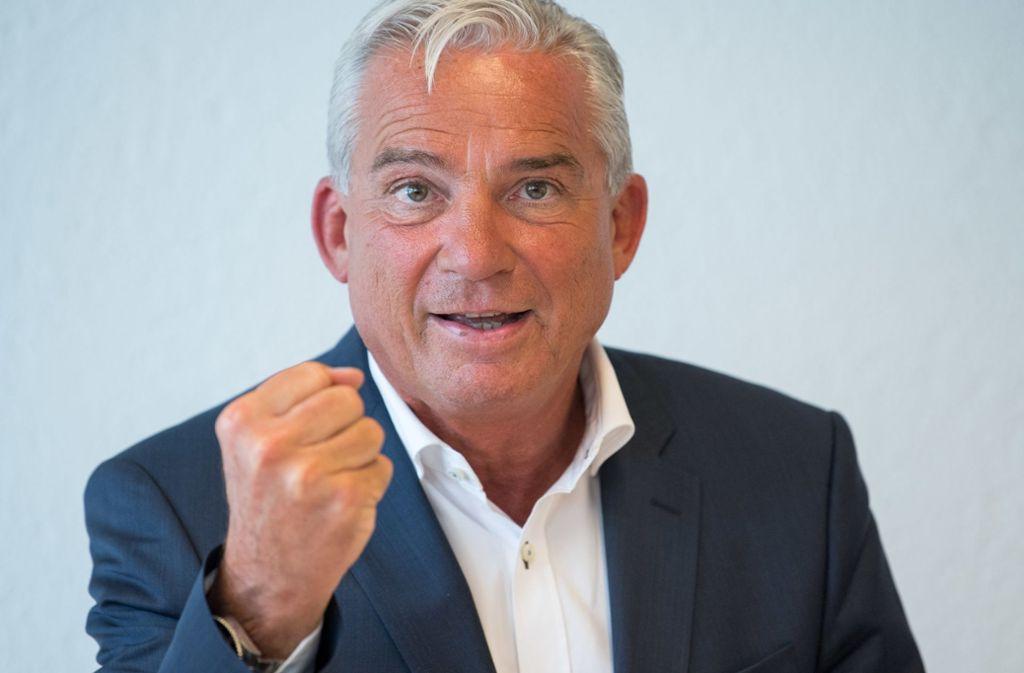 "Thomas Strobl, Innenminister in Baden-Württemberg, lobt das Verbot der Rockergruppe ""Osmanen Germania"". Foto: dpa"