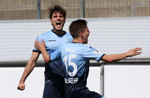 Die Kickers jubeln über das 2:1 gegen Trier. Foto: Baumann