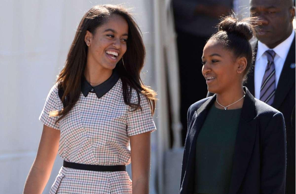 Malia (links) und Sasha Obama (rechts) sind laut ihrem Vater sehr gute Freundinnen geworden. (Archivbild) Foto: imago/UPI Photo/imago stock&people