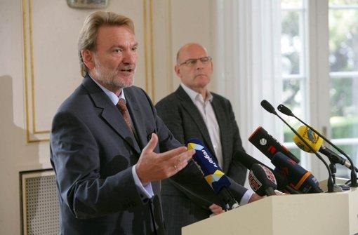 Keine besten Freunde:  Volker Kefer (links) und Winfried Hermann. Foto: Zweygarth