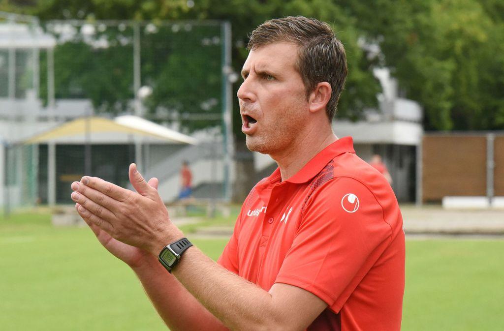 Kann aktuell mehr als zufrieden sein: Der Plattenhardter Trainer Steffen Küttner. Foto: Guenter E. Bergmann