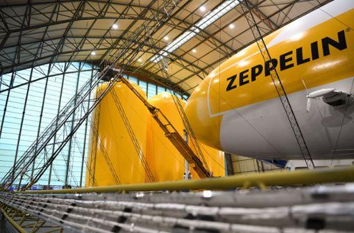 Polizei steigt in Zeppelin und kontrolliert Corona-Verstöße von oben