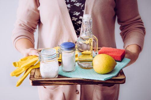 Mit natürlichen Zutaten wie Zitronensäure lassen sich Wassersprudler reinigen und entkalken.