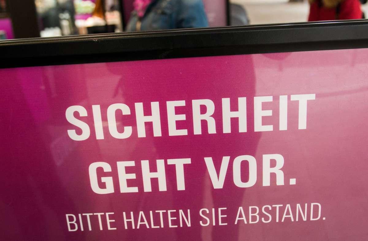 Laut einer Umfrage stehen die meisten Deutschen hinter den Corona-Maßnahmen. Foto: dpa/Daniel Bockwoldt