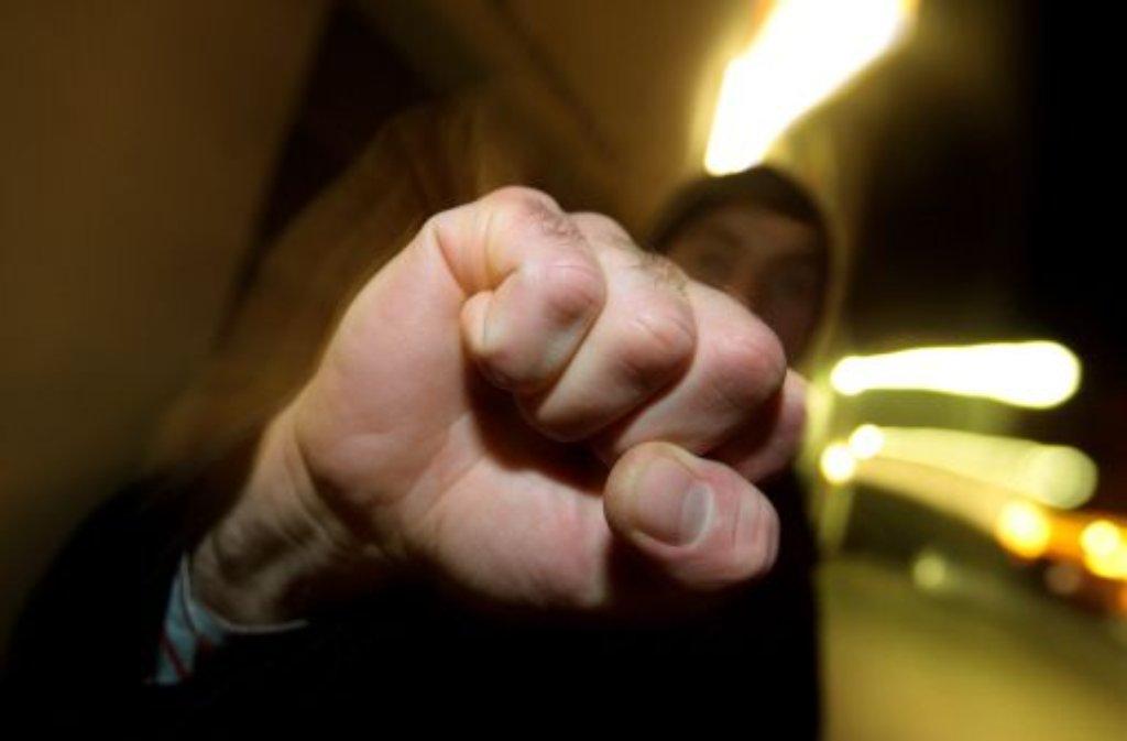Weil er einen Streit mit seiner Freundin hatte, wird ein 16-Jähriger in Sindelfingen vermutlich von Verwandten der Freundin brutal verprügelt. Foto: dpa