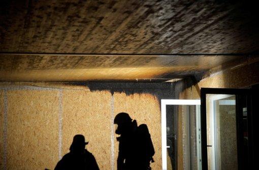 In Schwäbisch Gmünd wird eine geplante Unterkunft für Flüchtlinge angezündet. Foto: dpa