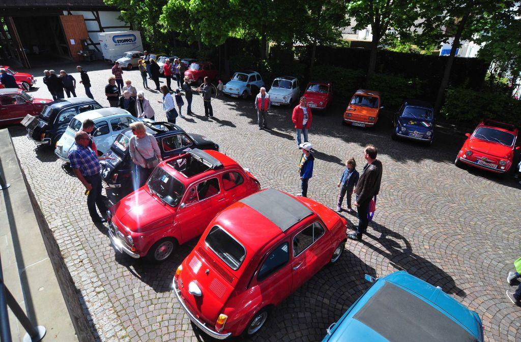 Der Fiat-500-Club Fellbach feierte den 60. Geburtstag des Kultautos mit einem Treffen und einer Ausfahrt. Foto: Andreas Rosar Fotoagentur-Stuttg