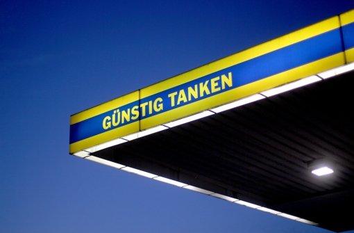 Benzin und Heizöl werden immer billiger