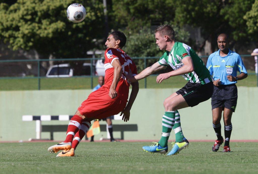 4:1 hat der VfB Stuttgart in Südafrika gegen PEC Zwolle gewonnen. Zwei Tore schoss Mohammed Abdellaoue (links) Foto: Pressefoto Baumann