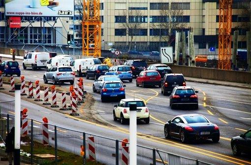 Auf der Heilbronner Straße sind bereits einige Fahrspuren verlegt. Foto: Horst Rudel