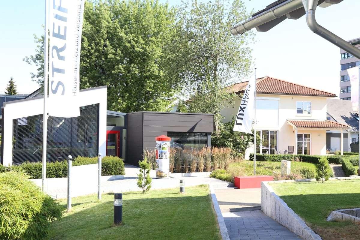 Die Ausstellung Eigenheim und Garten in Fellbach lockt mit 55 Musterhäusern, die besichtigt werden dürfen. Foto: AEG