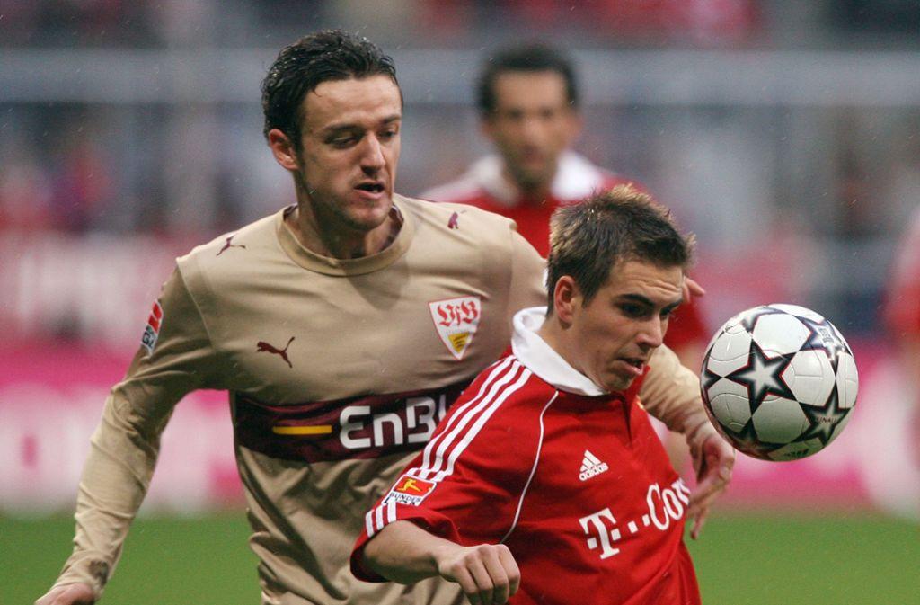 Bundesliga anno 2006: Christian Gentner im Duell mit Philipp Lahm. Foto: Baumann