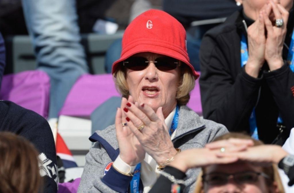 Auch in Sotschi unter den Zuschauern: Die norwegische Königin Sonja und ... Foto: Getty Images Europe