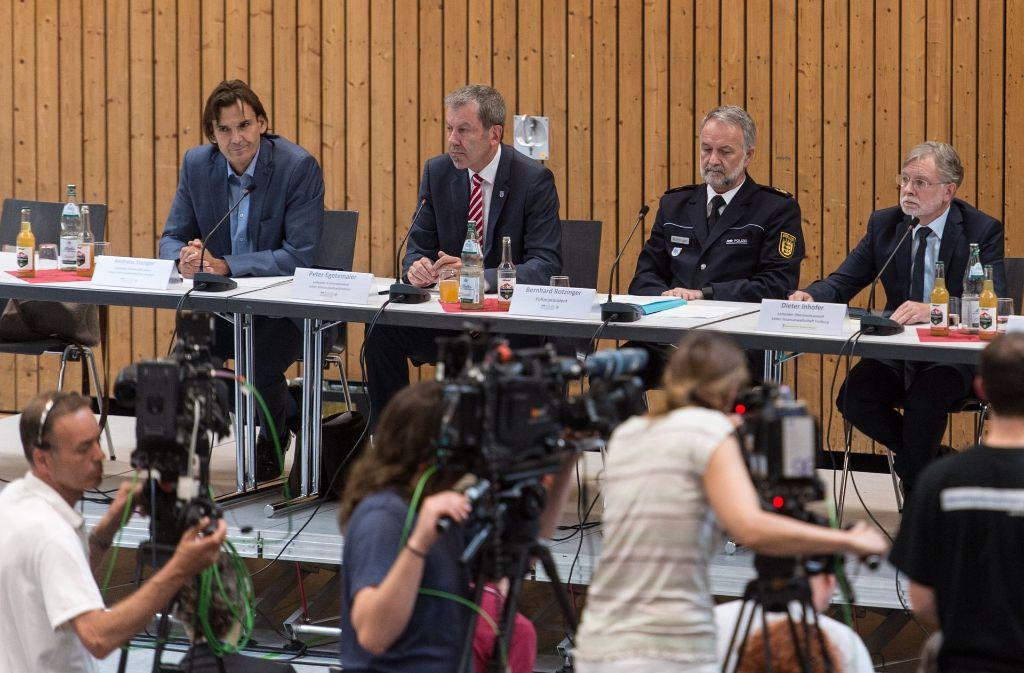 Die Pressekonferenz der Polizei und der Staatsanwaltschaft im Mordfall von Endingen. Foto: dpa