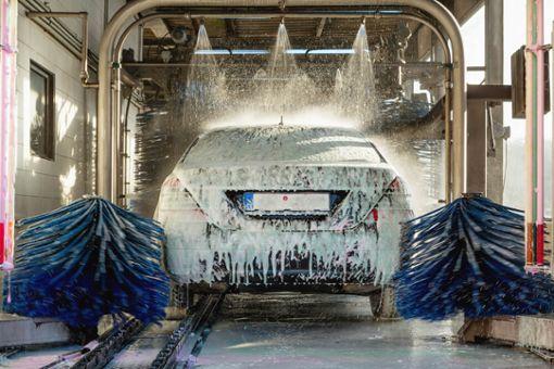 Sonntags Auto waschen