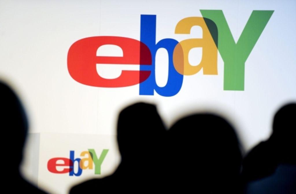 Ebay weist in den Bedingungen für eine Versteigerung darauf hin, dass ein Angebot vorzeitig zurückgenommen werden könne. Foto: dpa