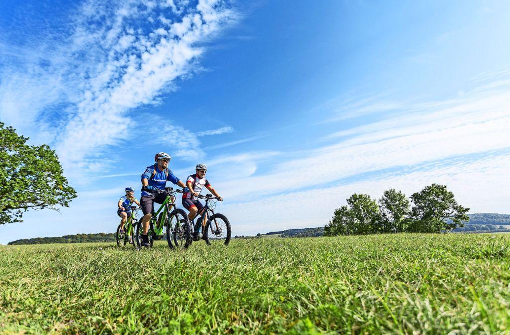 E-Biken im Biosphärengebiet Münsingen Foto: Thomas Rathay