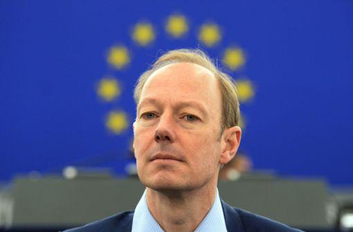 """Martin Sonneborn gratuliert der """"Partei"""" in Hemmingen"""