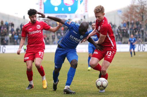 Stuttgarter Kickers patzen zu Hause gegen den Bahlinger SC