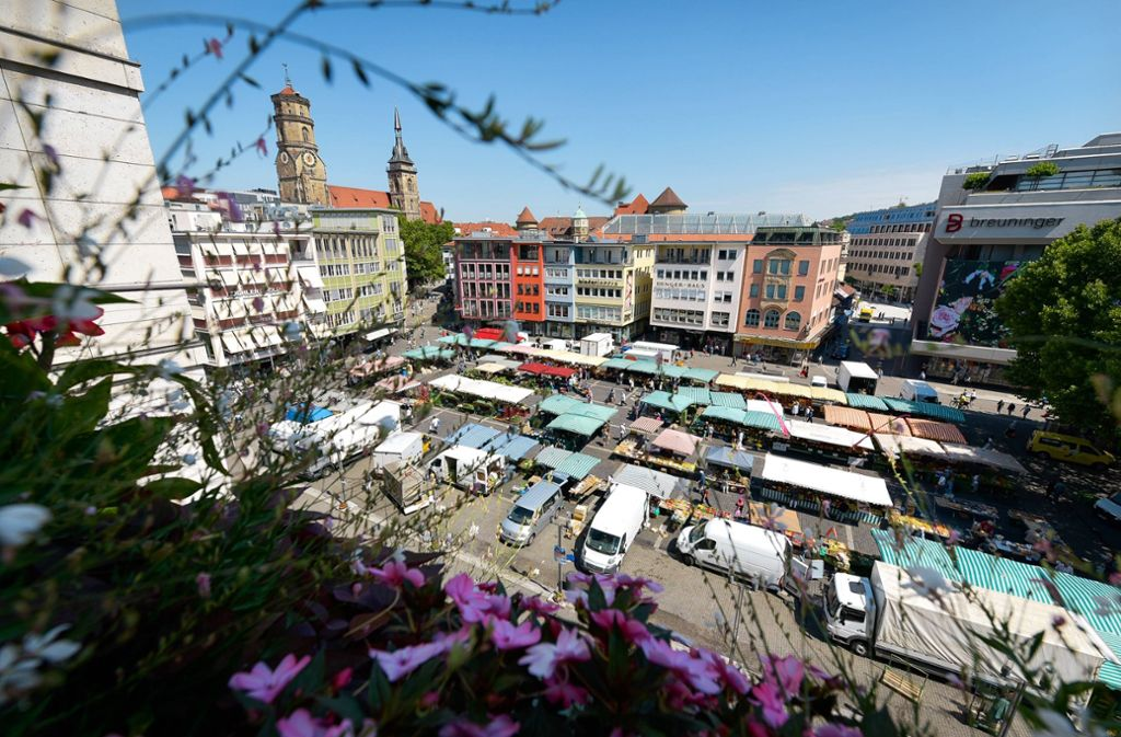 Der Stuttgarter Marktplatz ist weitgehend baumfrei. Zumindest aus Sicht der Veranstalter soll das auch so bleiben. Foto: /Lichtgut/Max Kovalenko