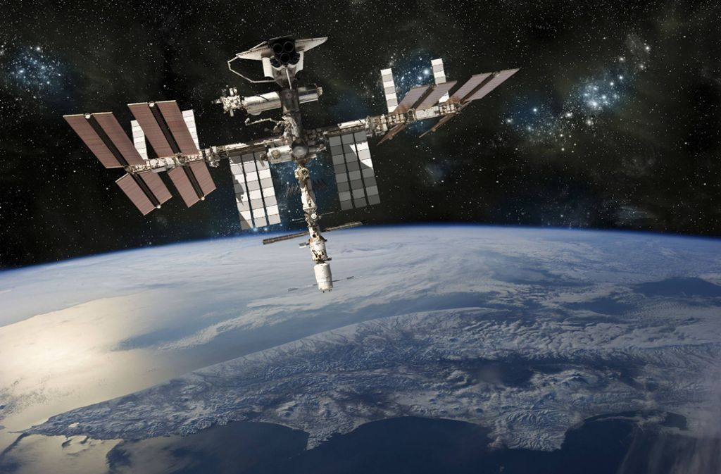 Wer genau hinschaut, kann die ISS dieser Tage mit bloßem Auge am Nachthimmel erkennen. (Symbolbild) Foto: imago images