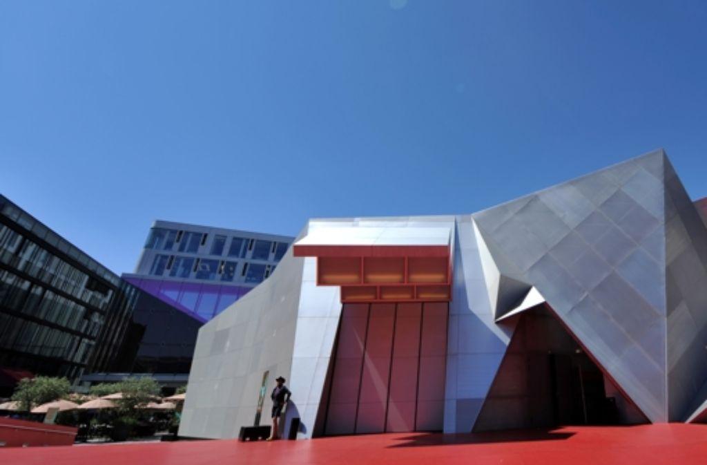 Der Münchner Mini-Opernpavillon ist gesponsert – und schon wieder abgebaut. Foto: dpa