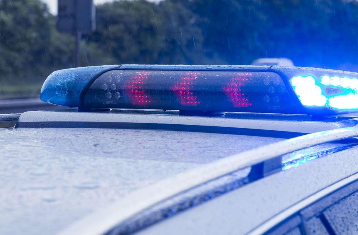 Ein offenbar betrunkener Mann hat bei Kirchheim einen Auffahrunfall verursacht (Symbolfoto). Foto: Eibner-Pressefoto/KOENIG