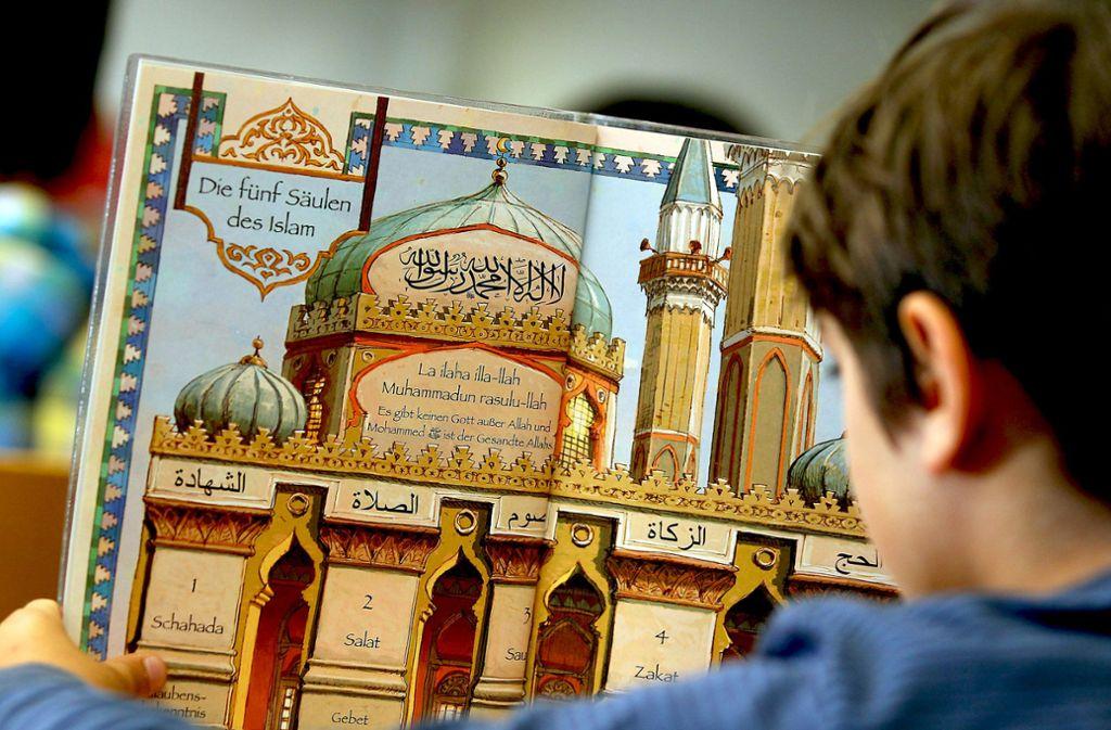 Die fünf Säulen des Islam können Gegenstand des Religionsunterrichts sein. Foto: dpa