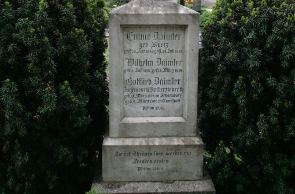 Unter anderem liegt Gottlieb Daimler auf dem Uff-Kirchhof begraben. Foto: Achim Zweygarth
