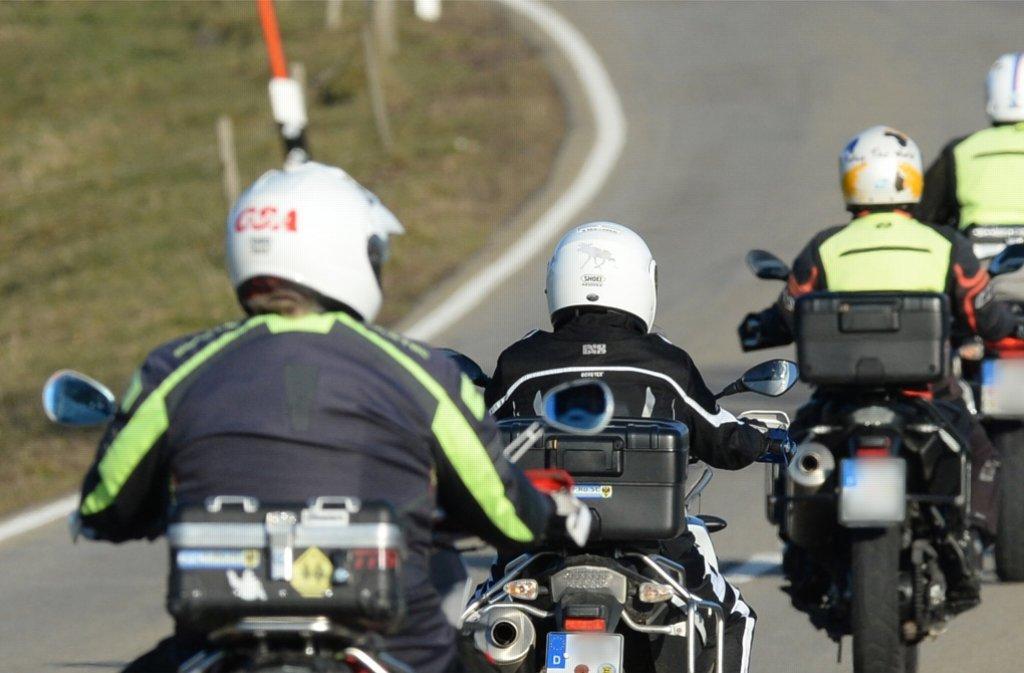 Motorradfahrer unterwegs im Schwarzwald (Archivbild). Foto: dpa