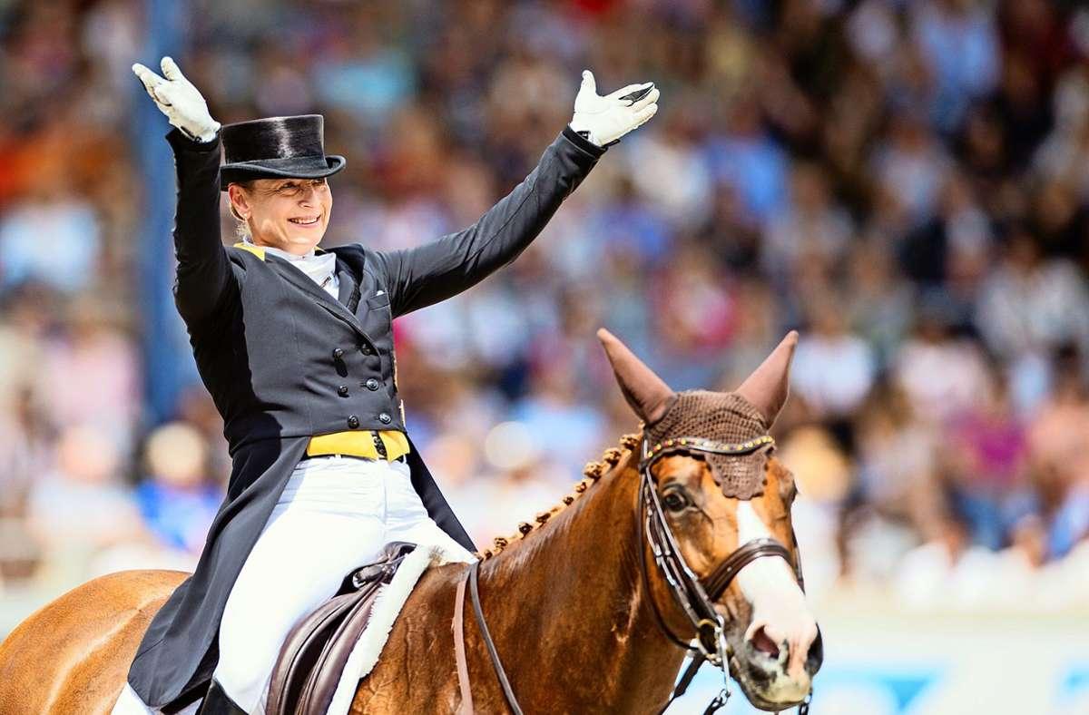 Isabell Werth ist eine der größten Medaillensammlerinnen des Landes. Foto: dpa/Rolf Vennenbernd