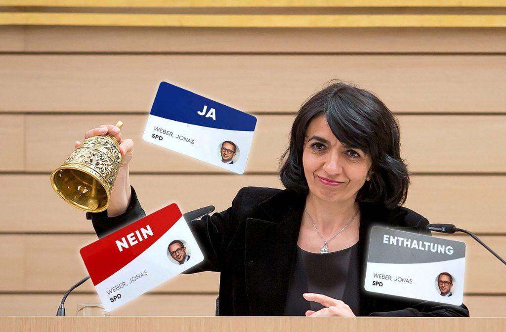Wenn Landtagspräsidentin Muhterem Aras die Abgeordneten zur namentliche Abstimmung ruft, kommen diese Karten zum Einsatz. Foto: dpa/Christoph Schmidt