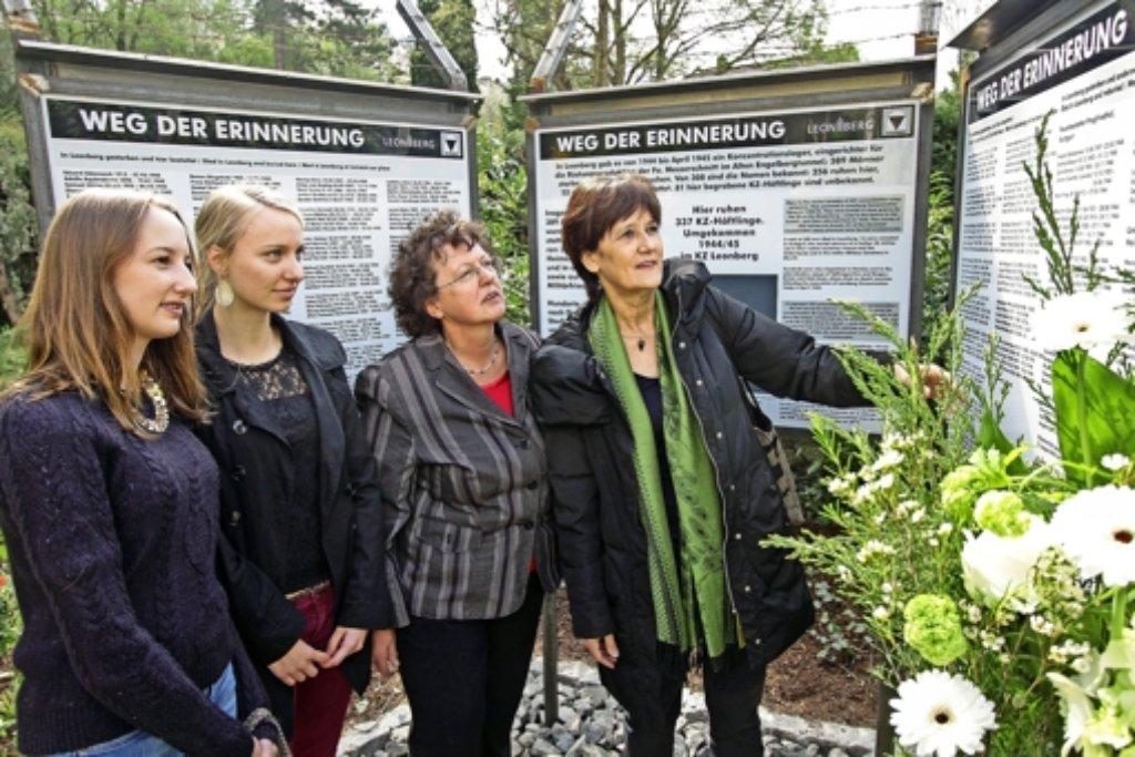 Die Namenstafeln auf dem Alten Friedhof erinnern an die Opfer. Foto: factum/Bach