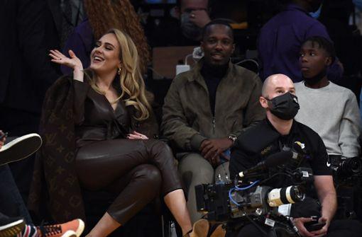 Adele stiehlt den Lakers die Schau