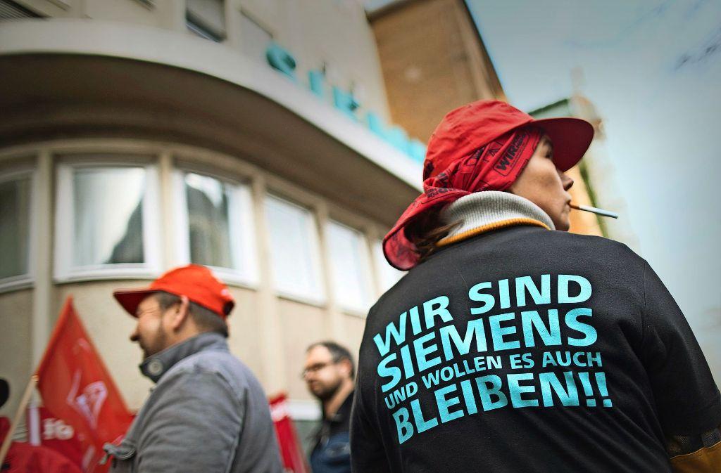 Am Montag haben bereits Siemens-Mitarbeiter in Berlin gegen den Jobabbau protestiert. Foto: dpa