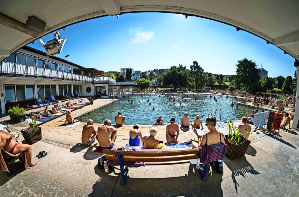 Die vielen Besucher freuten sich über den freien Eintritt und die sommerlichen Temperaturen. Foto: Lichtgut/Achim Zweygarth