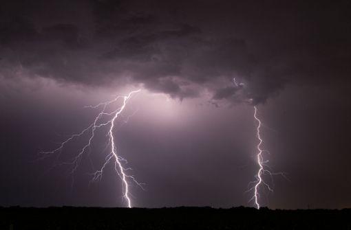 Blitz schlägt in Einfamilienhaus ein