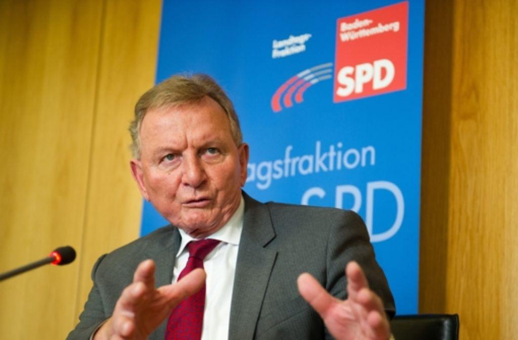 Claus Schmiedel, der Chef der Landtags-SPD, ist ständig bemüht um das Profil seiner Partei. Viel gefruchtet hat die Mühe bisher nicht. Foto: dpa