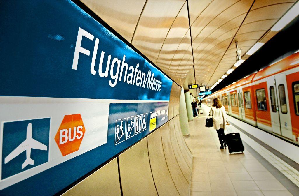 Die S-Bahn ist schon da, die Fernbahn soll am Flughafen folgen. Foto: Lg/Piechowski