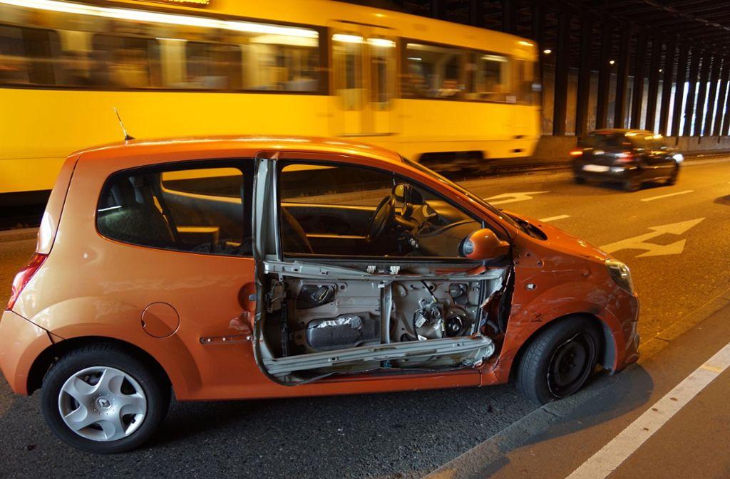 Ein Unfall in Bad Cannstatt sorgte am Donnerstag  für Verkehrsbehinderungen. Foto: Andreas Rosar/Fotoagentur-Stuttgart