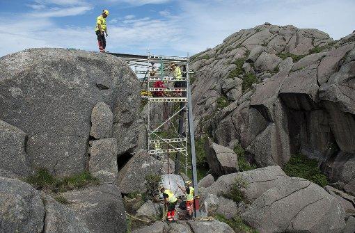 Steinener Trollphallus wieder aufgerichtet