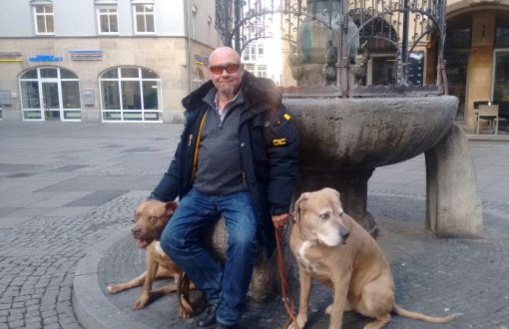 Nicht ohne seine Hunde: LKA-Chef Thomas Filimonova. Foto: Björn Springorum