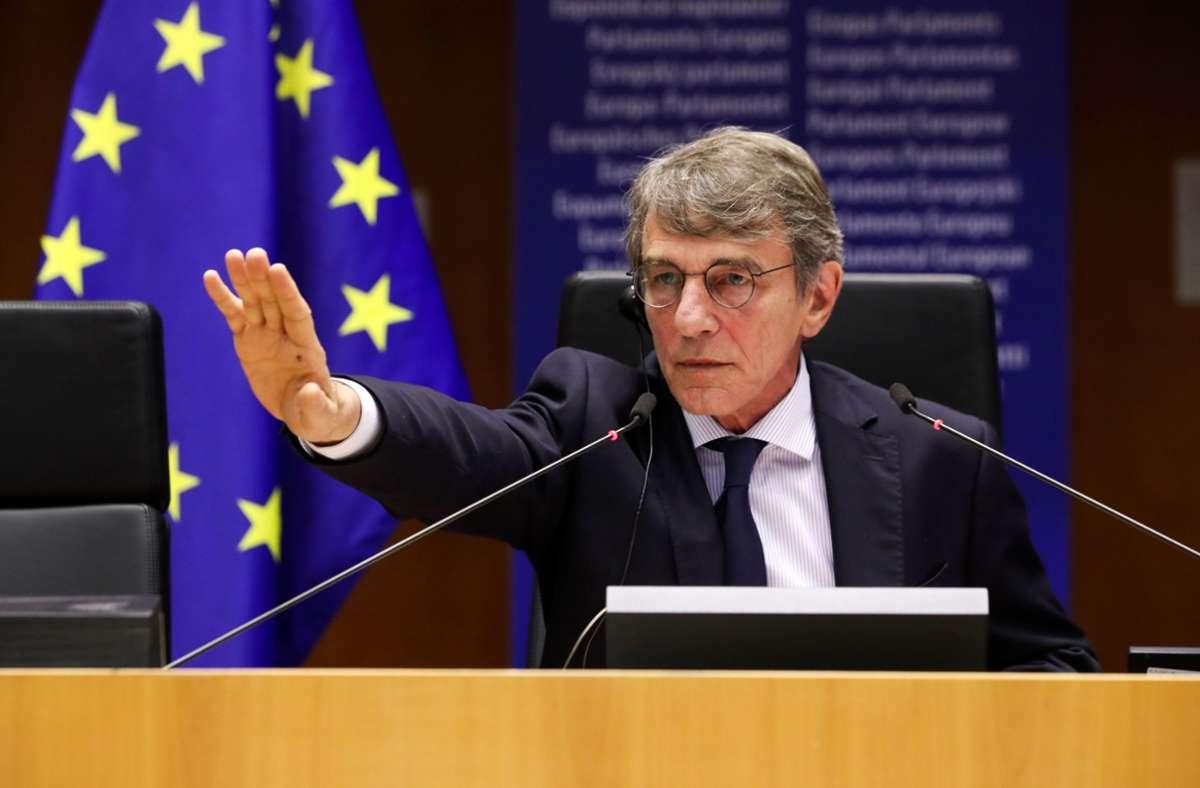 Parlamentspräsident Sasolli verweigert dem CSU-Abgeordneten Markus Ferber das Wort. Foto: AFP/YVES HERMAN