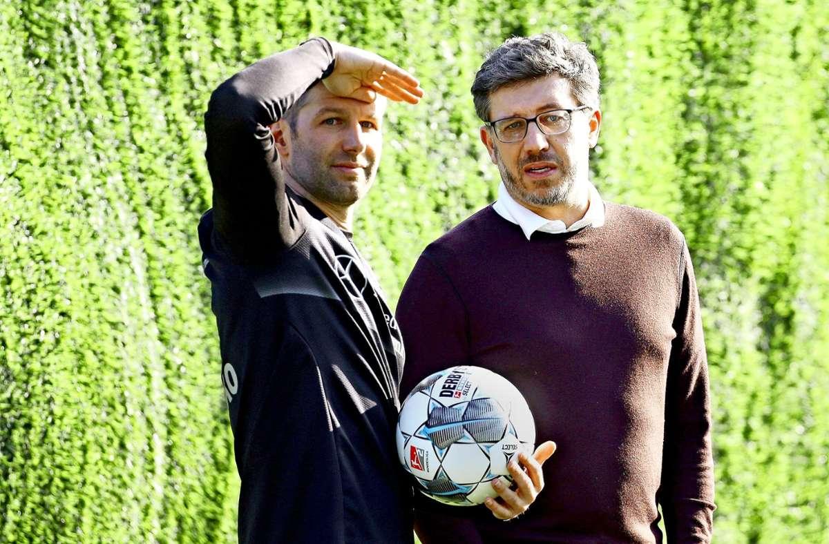 AG-Chef Thomas Hitzsleprger (li.) und Präsident Claus Vogt vom VfB Stuttgart sind sich längst nicht mehr einig. Foto: Baumann
