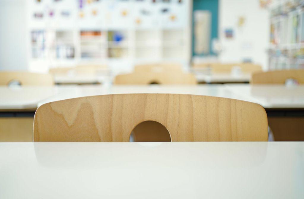In den Schulen gibt es derzeit aufgrund der Corona-Pandemie leere Klassenräume. Foto: dpa/Uwe Anspach