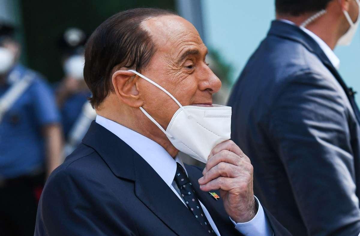 Silvio Berlusconi galt bei seiner Corona-Infektion als Risikopatient. Foto: AFP/PIERO CRUCIATTI
