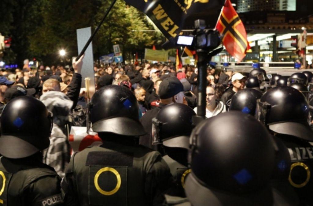 Demonstration der Legida auf dem Willy-Brandt-Platz in Leipzig. Foto: dpa